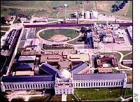 2-6-Leavenworth-Prison200